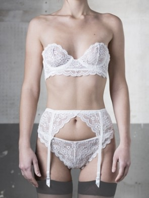 "String thong with lace embroidery, ""Lathyrus"" Collection"